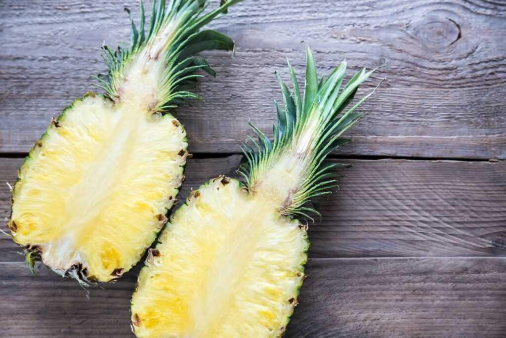 Przekrojony ananas